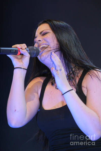 Wall Art - Photograph - Evanescence Singer Amy Lee by Concert Photos