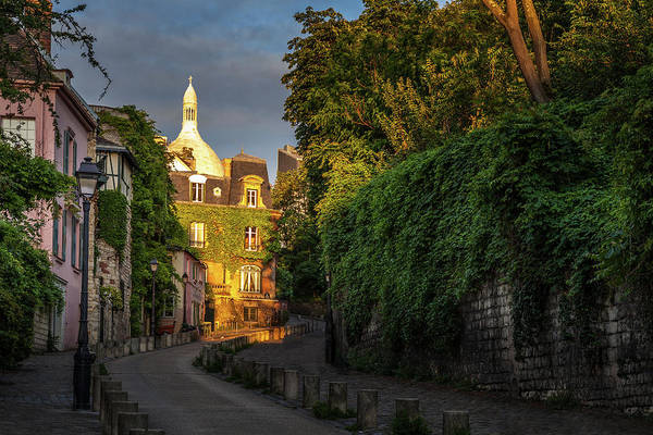 Wall Art - Photograph - Evening At Montmartre by Andrew Soundarajan