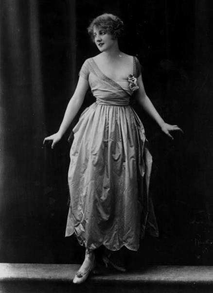Evening Wear Photograph - Evening Dress by Reutlinger