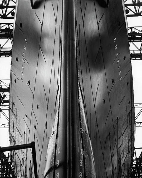 Photograph - Exact Front View Looking Up At The Hull by Alfred Eisenstaedt