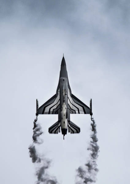 Photograph - F-16 Fighting Falcon Flying Up by Scott Lyons