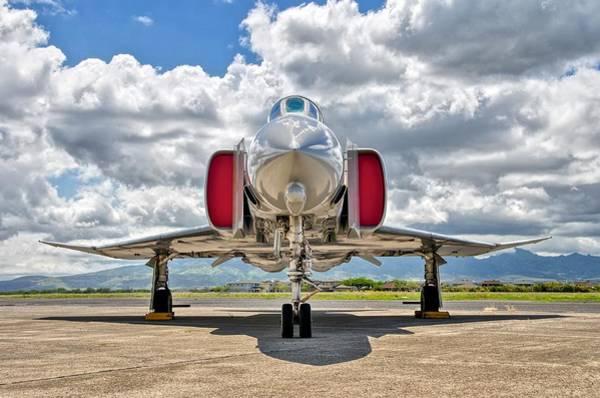 Wall Art - Photograph - F-4 Phantom by Hayman Tam