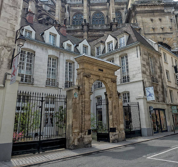 Photograph - Facade On Rue Des Rosiers by Gary Karlsen