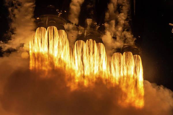 Arab Digital Art - Falcon Heavy Fire And Smoke by Filip Hellman