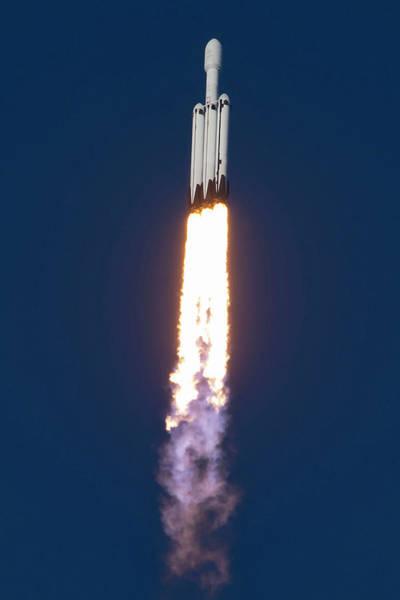 Arab Digital Art - Falcon Heavy Roaring In The Sky by Filip Hellman