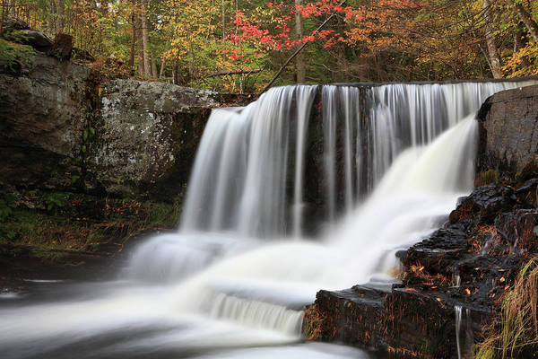 Poconos Wall Art - Photograph - Falls And Autum by Tongshan