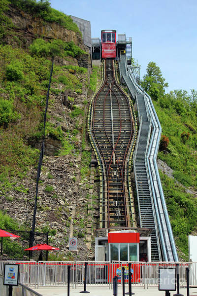 Photograph - Falls Incline Railway - Niagara Parks by Doc Braham