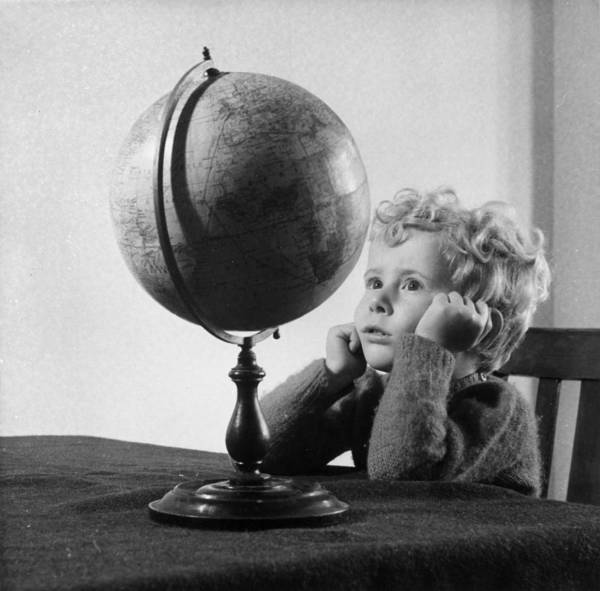 Education Photograph - Fascinating Globe by Philip Hypher