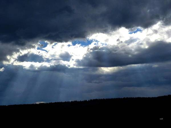 Photograph - Fascinating Sun Rays by Will Borden