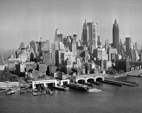 East Side Photograph - Financial District Cityscape by Fpg