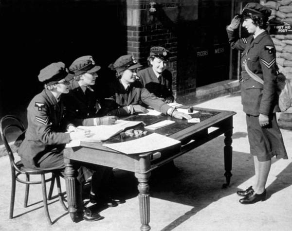 British Armed Forces Photograph - First Pay Day by Fox Photos