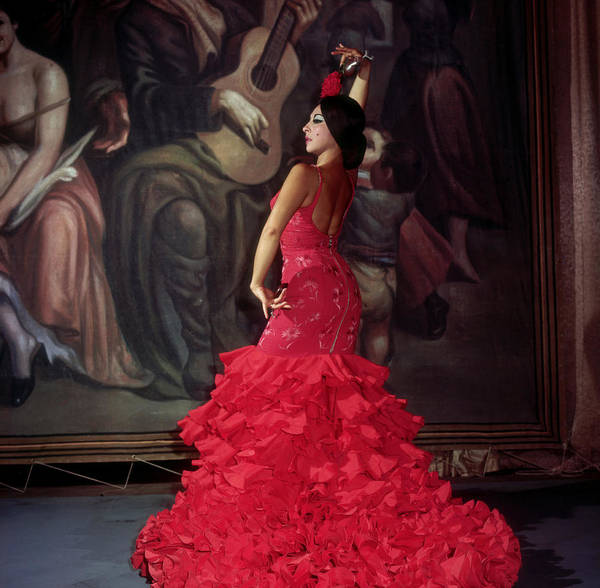 Red Robin Photograph - Flamenco Dancer In Red, Lucerna Tene by Robin Smith