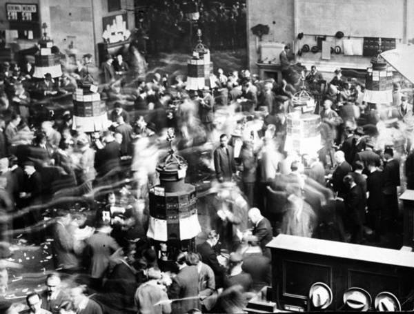 New York Stock Exchange Wall Art - Photograph - Floor Of The New York Stock Exchange by New York Daily News Archive