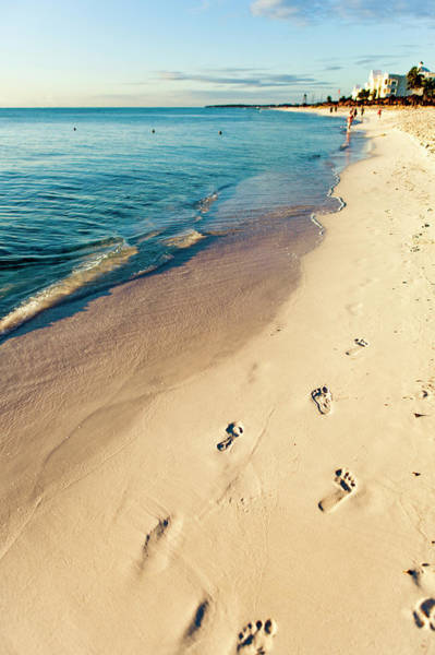 Mayan Riviera Photograph - Footprints On The Sand by Mmeemil
