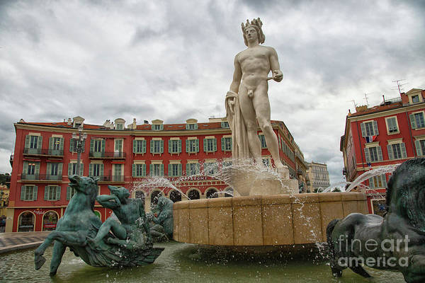 Photograph - Fountain Of The Sun Nice France by Wayne Moran