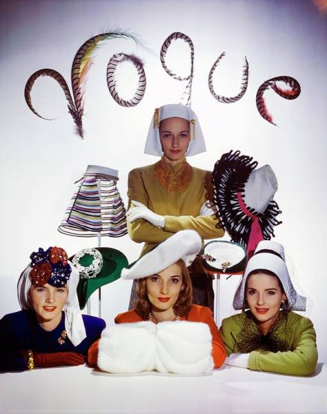 Wall Art - Photograph - Four Models In White Hats by Horst P. Horst
