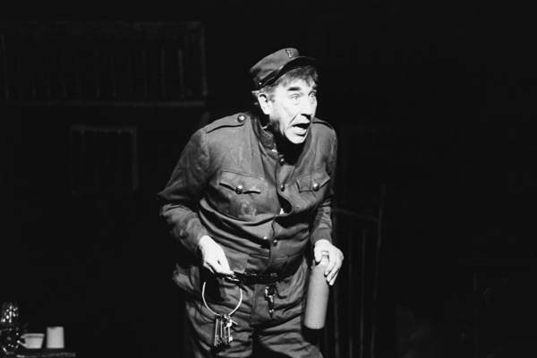 Coliseum Photograph - Frankie Howerd As Jailer Frosch by Pa Images