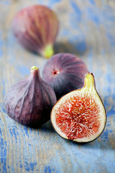 Selective Focus Photograph - Fresh Figs by Barcin