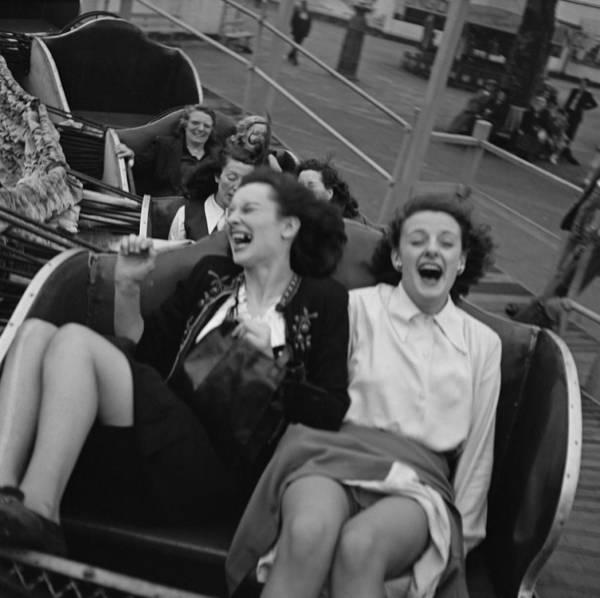 Southend Photograph - Fun In Southend by Bert Hardy