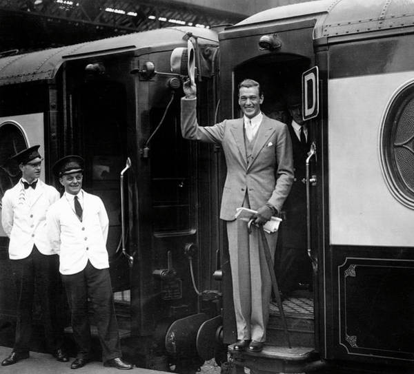 Waiter Photograph - Gary Cooper Departs London by Popperfoto