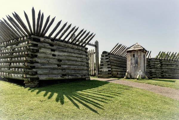 Sentry Box Photograph - Gate To Main Fort At Fort Ligonier by Carolyn Derstine