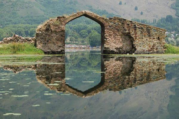 Dal Lake Photograph - Gateway To Heaven, Dal Lake, Srinagar by Photo By Ajay Ojha