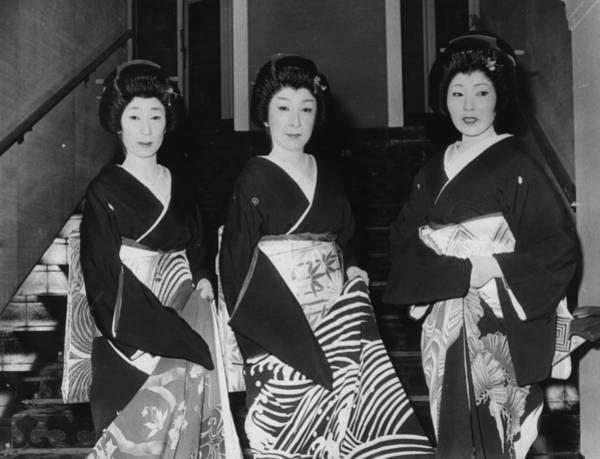 1974 Photograph - Geisha Girls by Richard Young