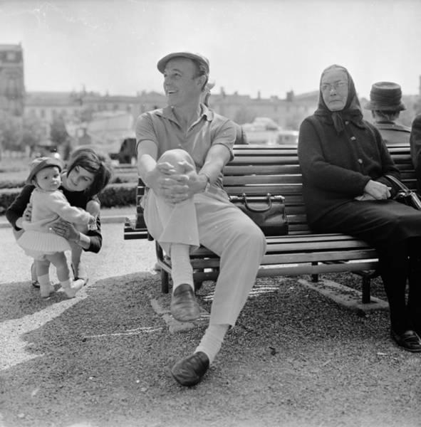 Photograph - Gene Kelly by Reg Lancaster