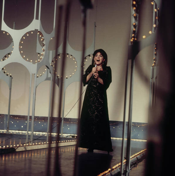 Photograph - Georgia Brown Performs On Tv Show by David Redfern