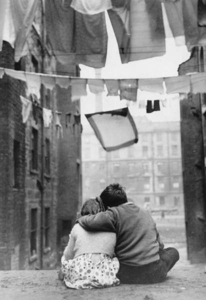 Romance Photograph - Glasgow Romance by Keystone