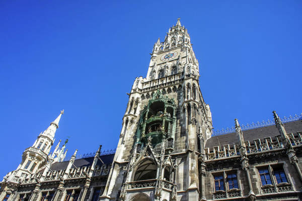 Photograph - Glockenspiel In Munich by Dawn Richards