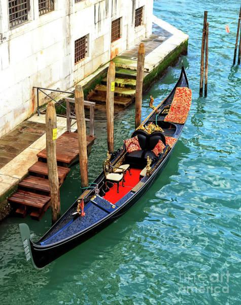 Photograph - Gondola Style In Venice by John Rizzuto