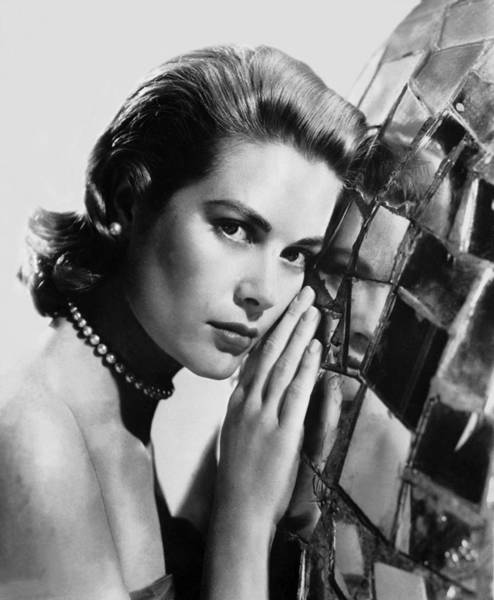 Photograph - Grace Kelly Around 1954-1955 by Keystone-france