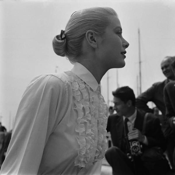 Photograph - Grace Kelly In Italy by Reporters Associes