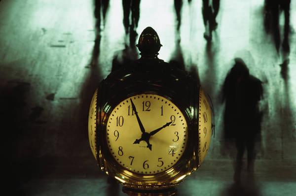 Photograph - Grand Central Clock by Alfred Gescheidt