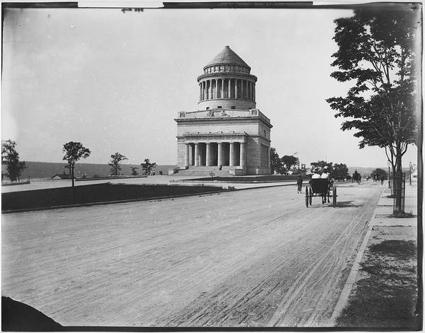 Photograph Photograph - Grants Tomb by The New York Historical Society