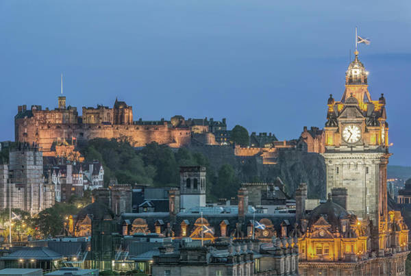 Wall Art - Photograph - Great Britain, Scotland, Edinburgh by Rob Tilley