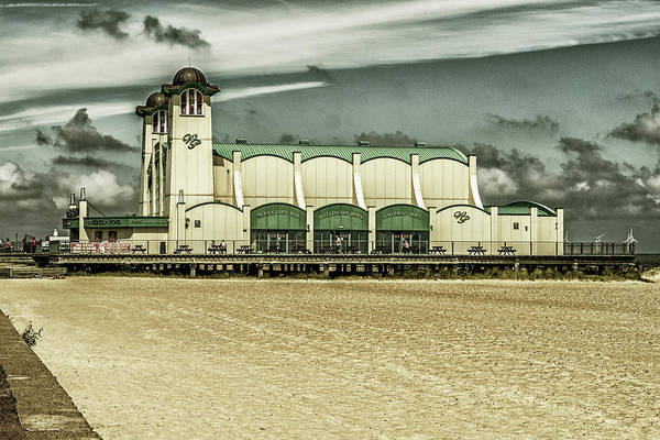 Photograph - Great Yarmouth Wellington Pier by Scott Lyons