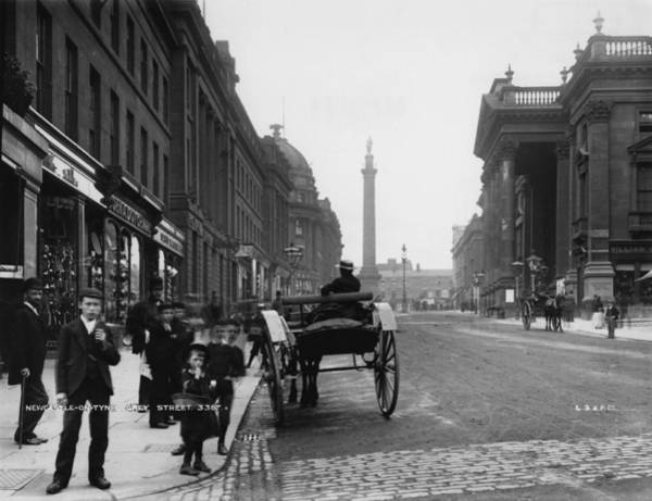 Newcastle Upon Tyne Photograph - Grey Street by London Stereoscopic Company