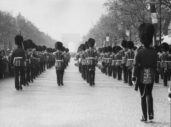 British Armed Forces Photograph - Guards In Paris by Keystone