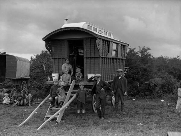 Epsom Derby Photograph - Gypsy Caravan by Fox Photos