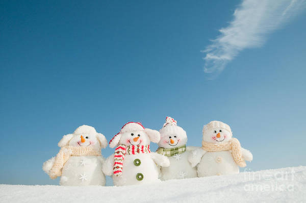 Wall Art - Photograph - Happy Snowman Team by Gorillaimages