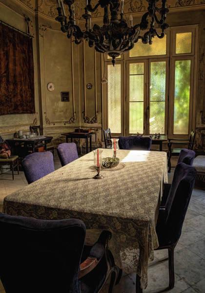 Photograph - Havana Dining Room by Tom Singleton