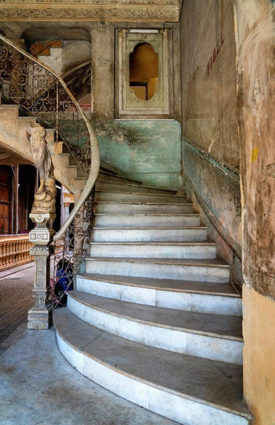 Photograph - Havana Stairs by Tom Singleton