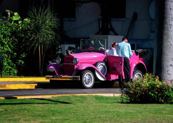 Photograph - Havana Taxi by Tom Singleton