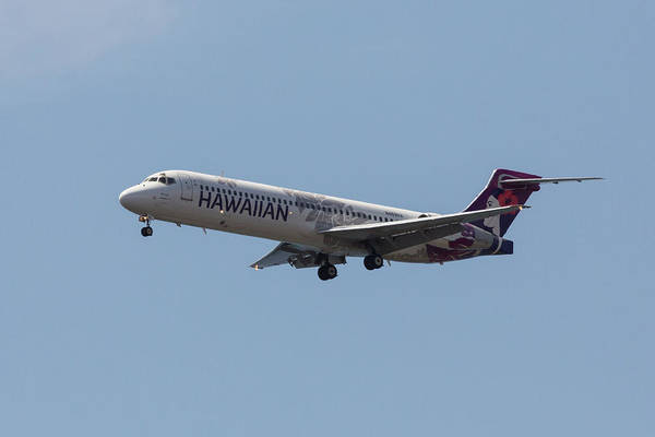 Photograph - Hawaiian Airlines 717 by John Daly