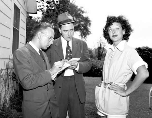 New York State Photograph - Hedy Lamarr Tells Reporters All About by New York Daily News Archive