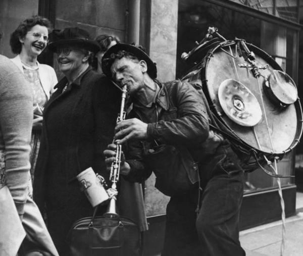Street Performers Photograph - Hexham Busker by Bert Hardy