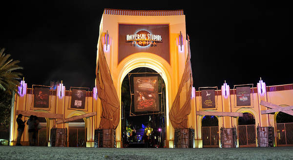 Alice Cooper Photograph - Hhn 22 Orlando Front Gate  by David Lee Thompson