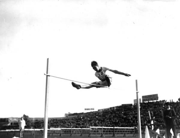 Stamford Wall Art - Photograph - High Jumper by Hulton Archive